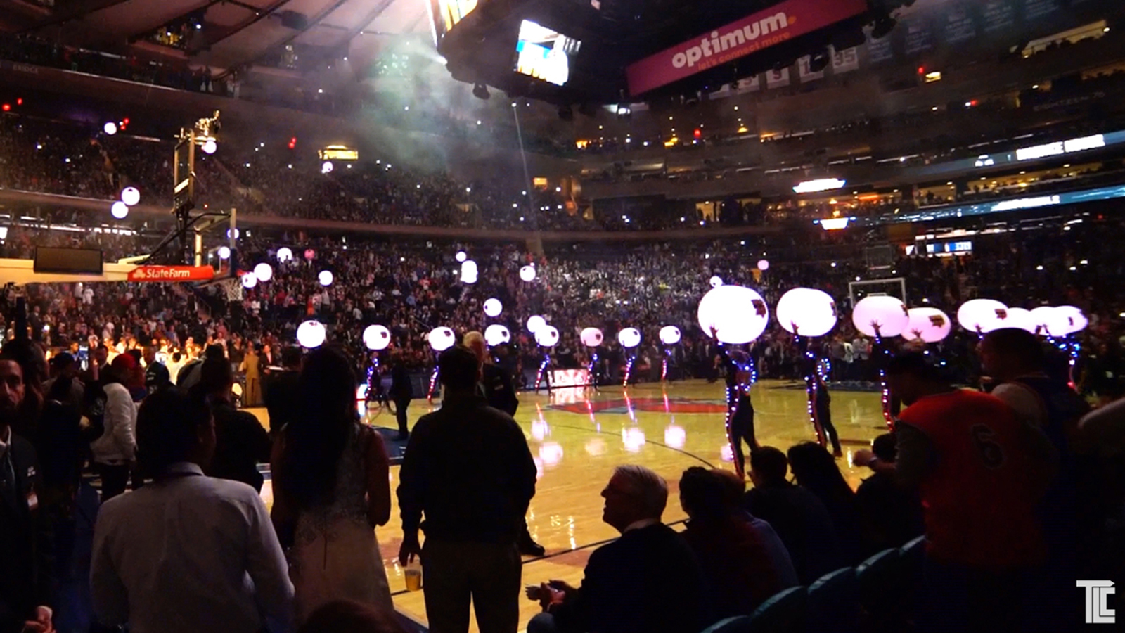 NY Knicks LED Glowballs and Light Up Suits by TLC